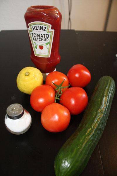 schneller gurken tomaten avocado salat. Black Bedroom Furniture Sets. Home Design Ideas